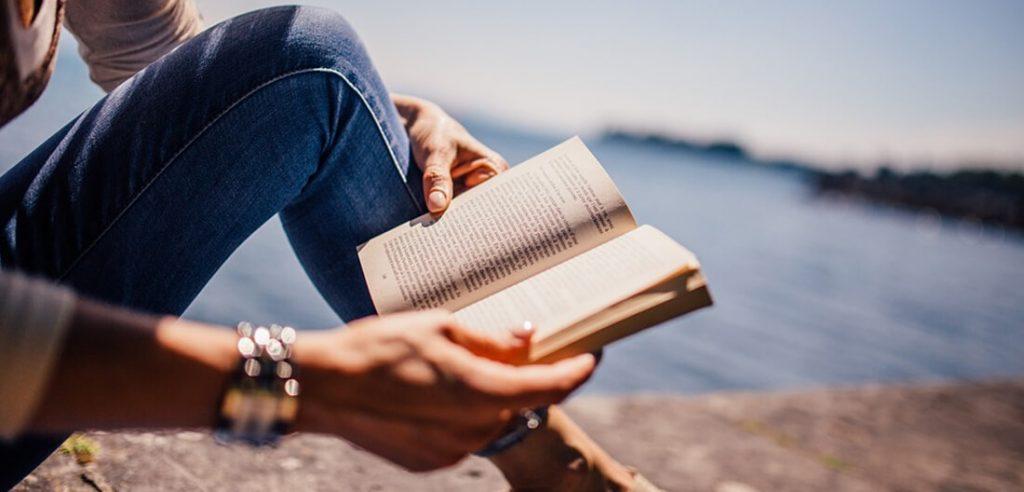 Udvalgte billede 6 fantastiske hobbies for ældre mennesker Læsning 1024x492 - 6 fantastiske hobbies for ældre mennesker