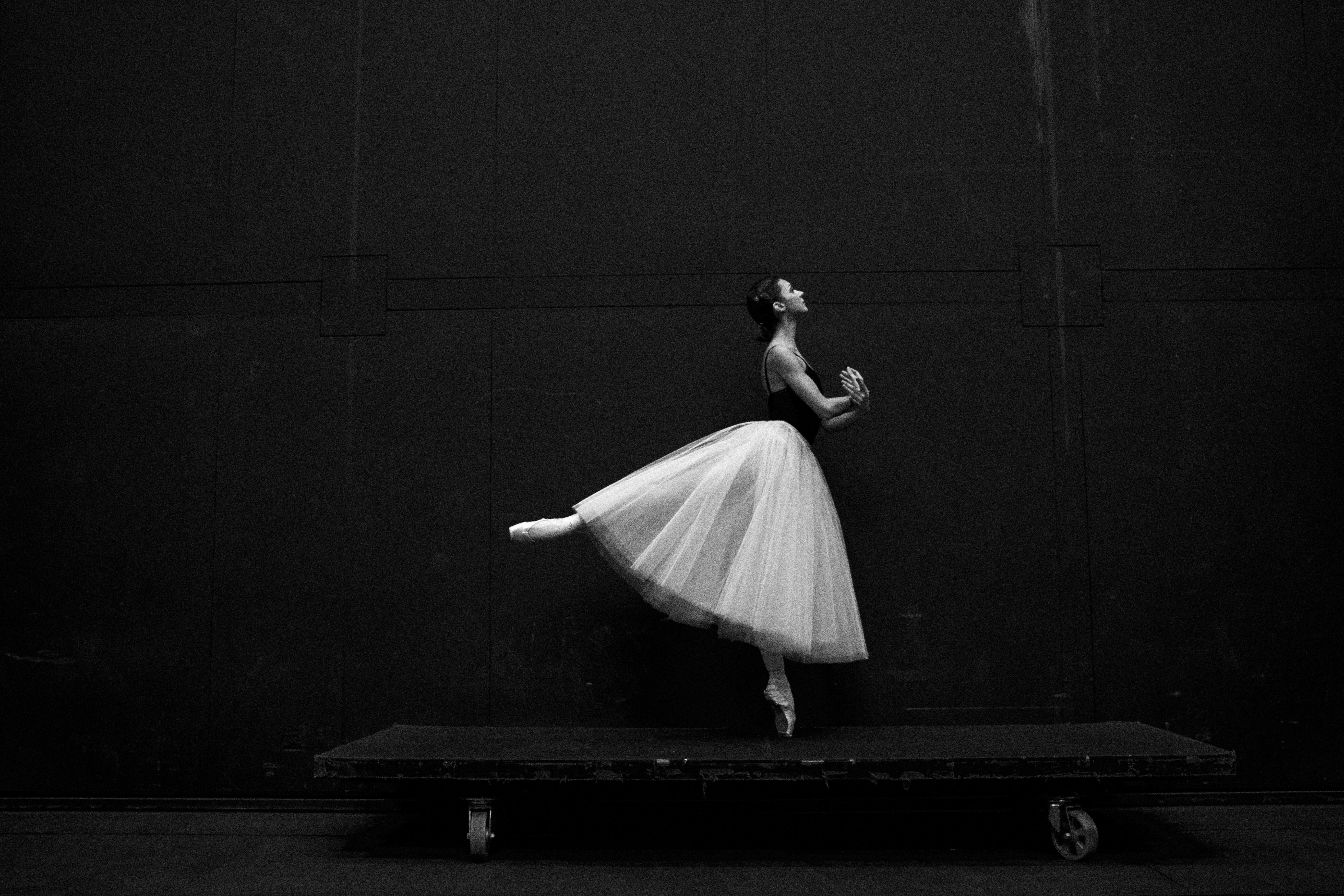 sergei gavrilov gbd6PqRqGms unsplash - Påklædning til ballet