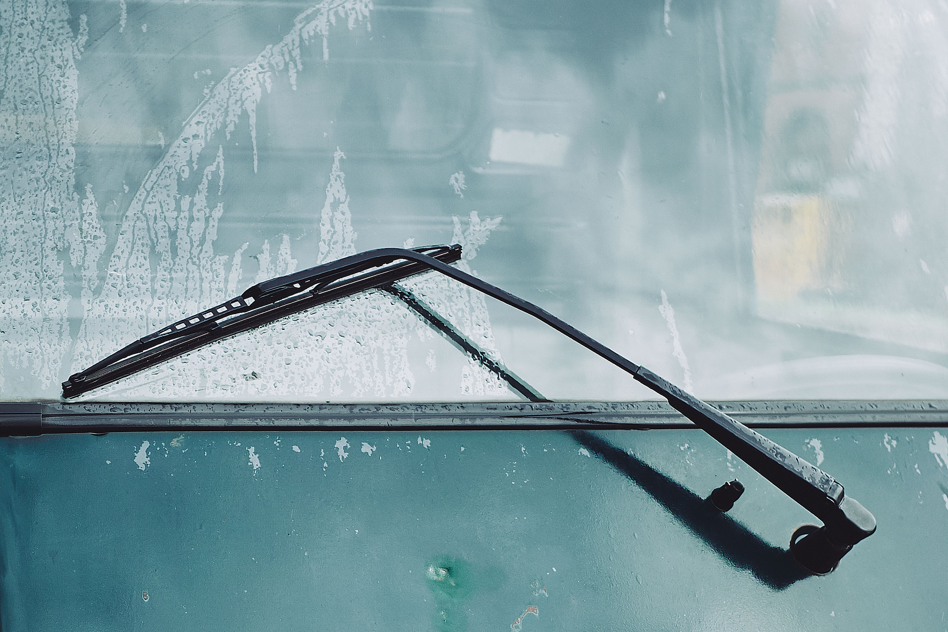 charles loyer d9HYRFikFZ0 unsplash - Derfor er det vigtigt at tjekke dine vinduesviskere