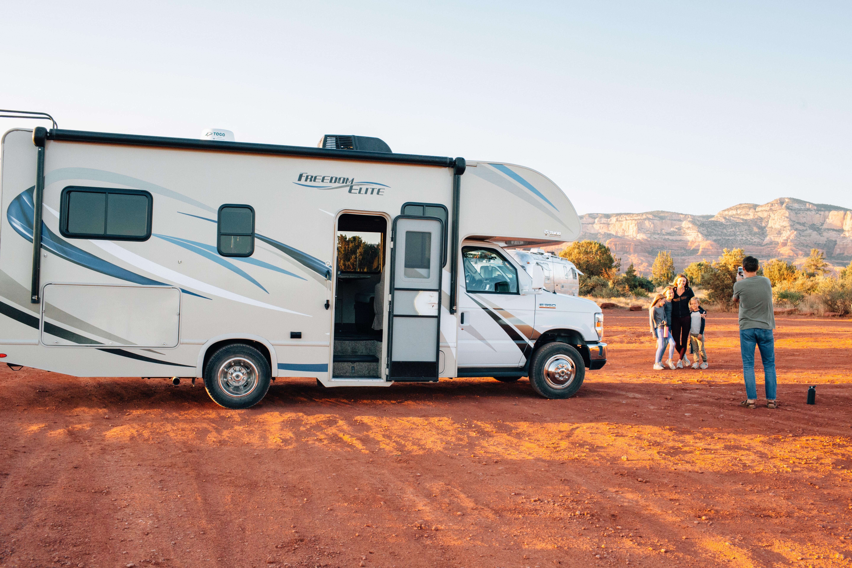 togo rv zn M2VoZpj0 unsplash - Skal jeg købe en ny eller en brugt campingvogn?