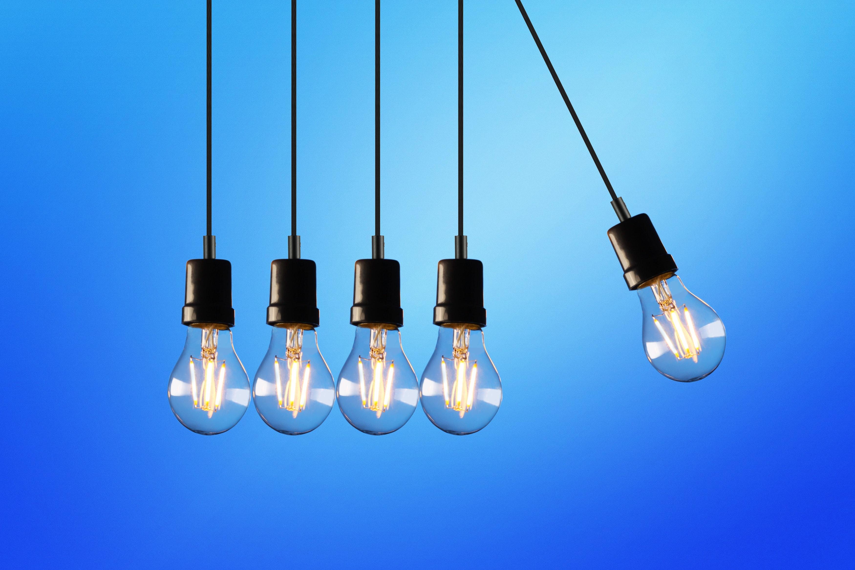 pexels rodolfo clix 1036936 - Opgrader din belysning med LED-pærer