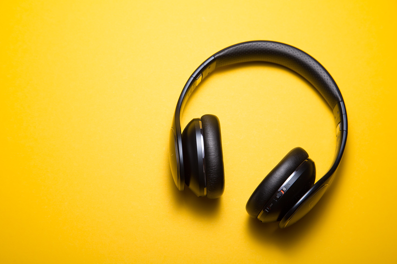 c d x PDX a 82obo unsplash - Få den perfekte lyd med et godt headset