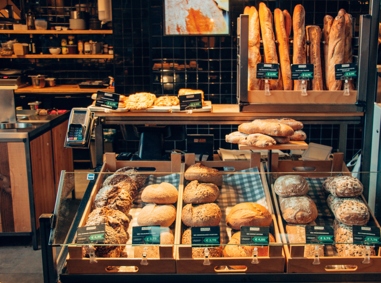 miti R1ql7fk3I1Y unsplash - Solidt inventar til dit bageri