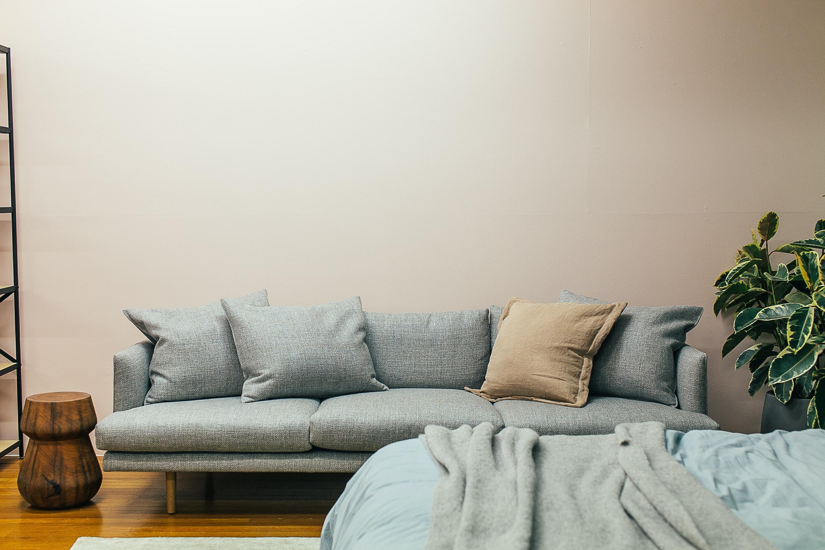 pexels rachel claire 4857775 - Mangler du en ny sofa til din stue?